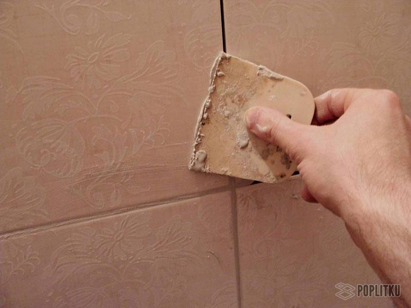 Удаление старой затирки из швов плитки