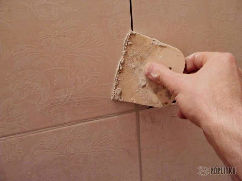 Удаление затирки из швов плитки
