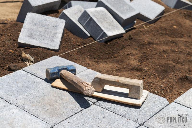 Как класть тротуарную плитку на песок и можно ли так делать? 20-2
