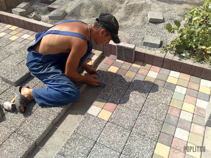 Как класть тротуарную плитку на песок и можно ли так делать? 20-6