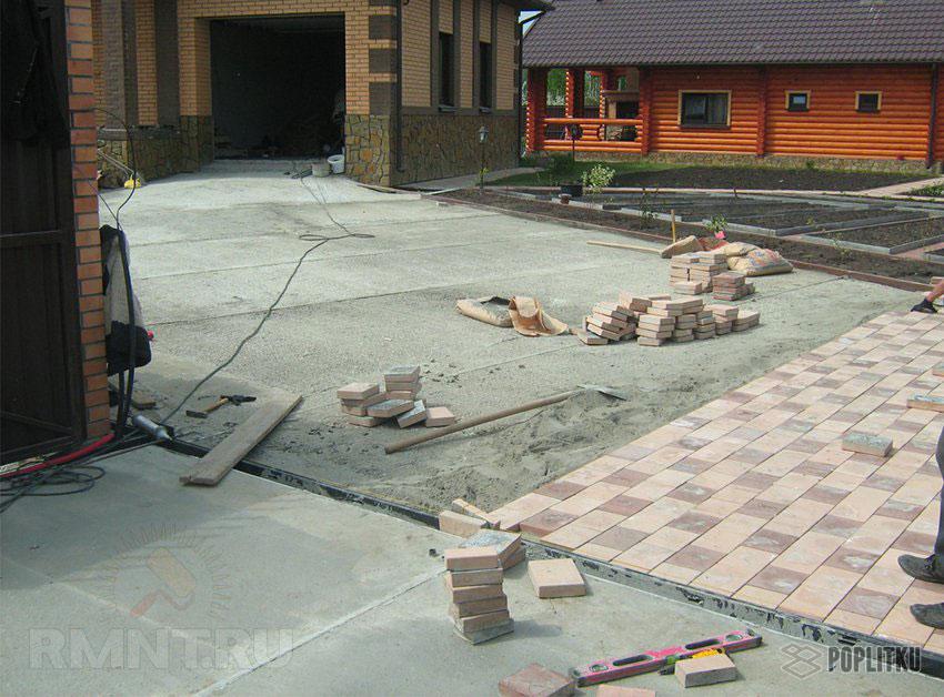 Как положить тротуарную плитку на бетонное основание: все этапы монтажа 26-9