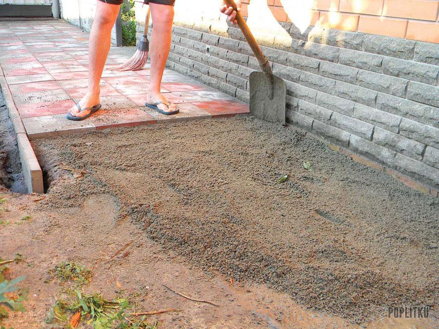 Как класть тротуарную плитку своими руками: способы и порядок укладки 37-7