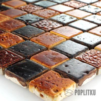 Каменная мозаика с коричневым орнаментом